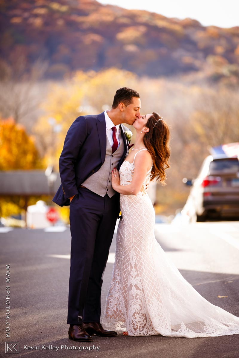 19Main-wedding-new-milford-ct-2016.jpg