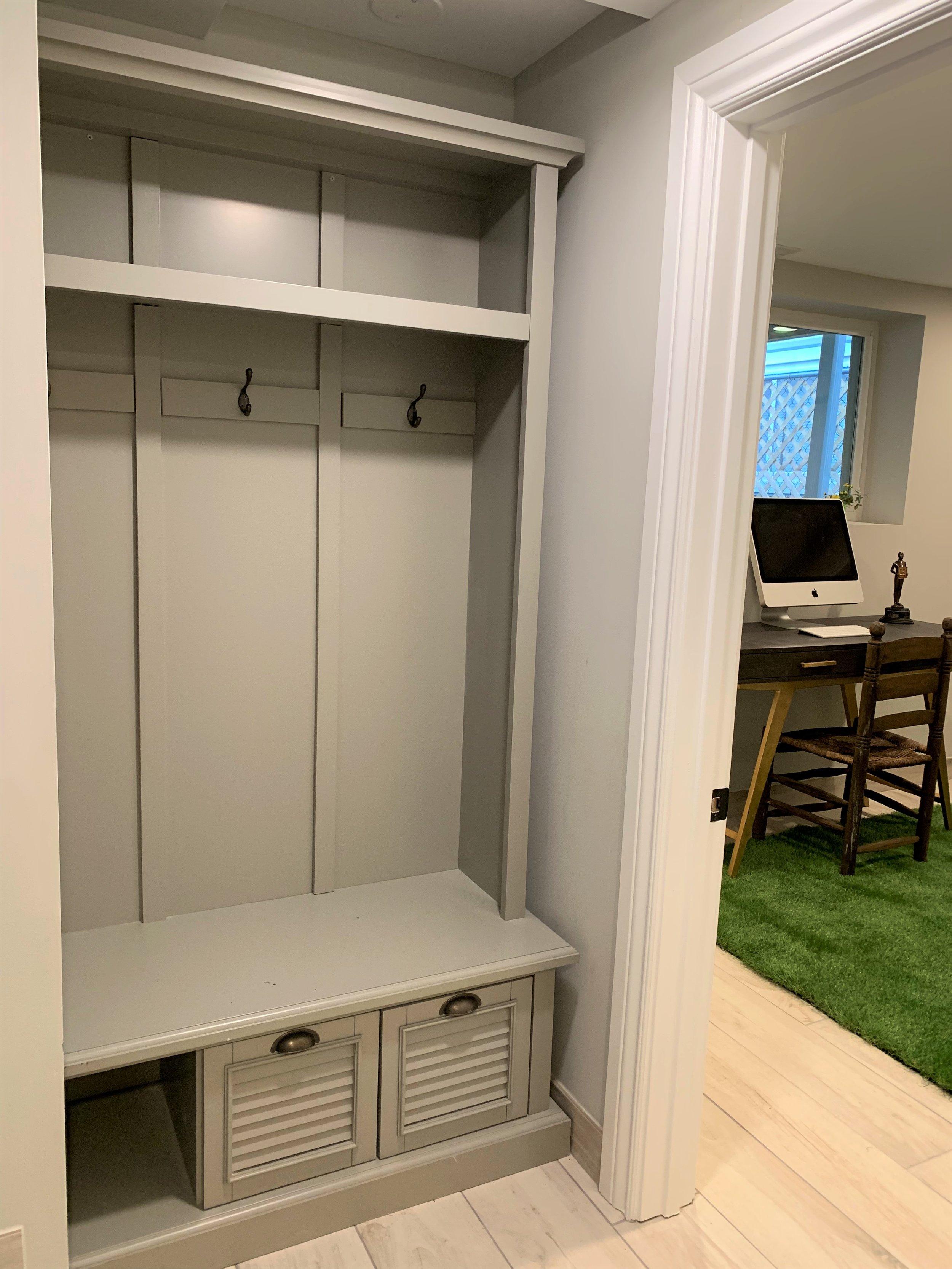Coat cabinet.jpg