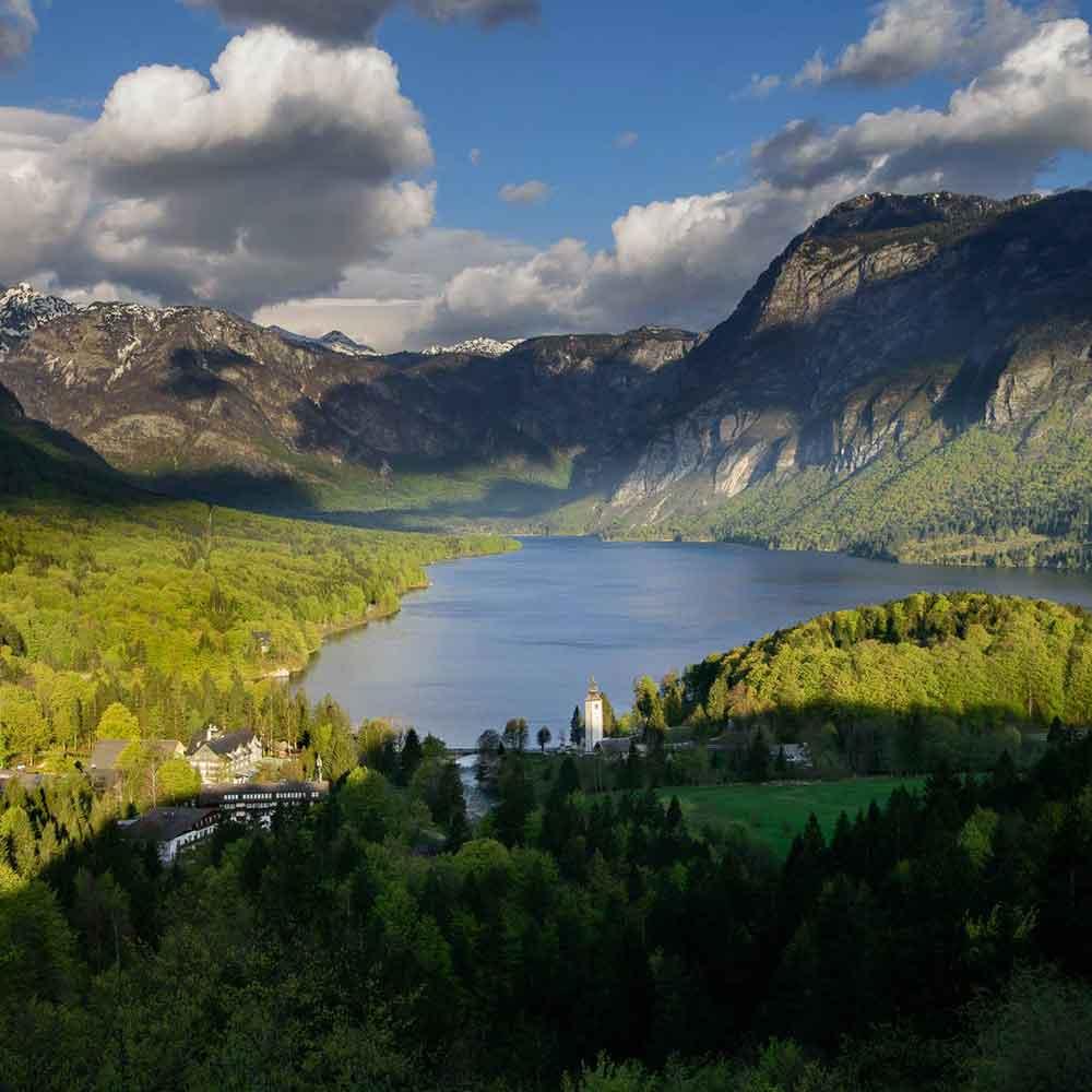 Lake-Bohinj-Slovenia-01.jpg