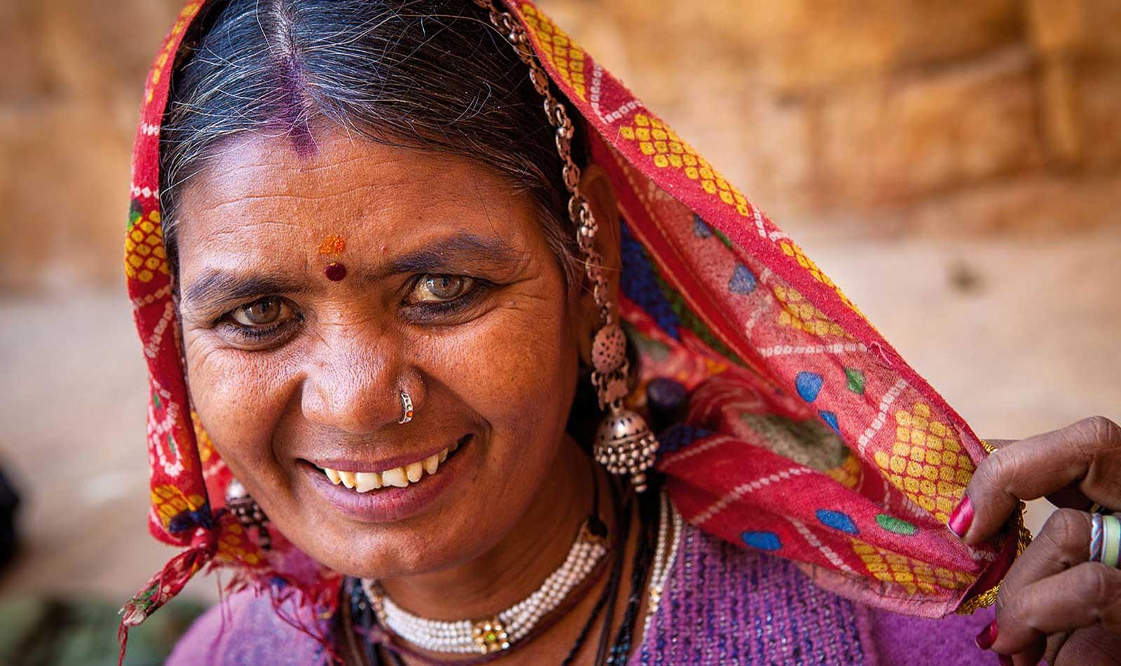 Rajasthan-Woman-01.jpg