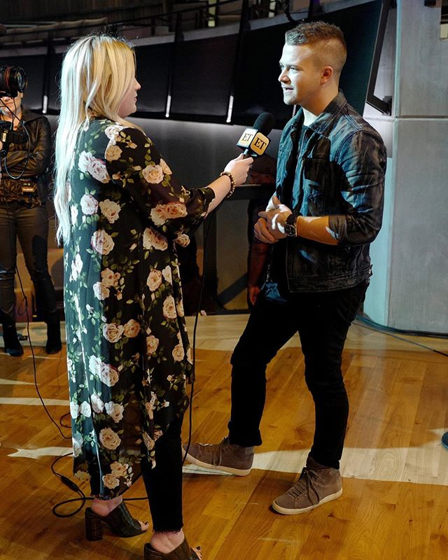 """Such a good time in Nashville talking to @hunterhayes @eastoncorbin and more ahead of @hallmarkchannel """"The Love of Dogs"""" benefit concert for ET. A cause close to this Fur Mom's heart. ❤️✨ Thank you to my former PR crew, and especially @megstrevino for giving me this opportunity to pivot into something new!"""