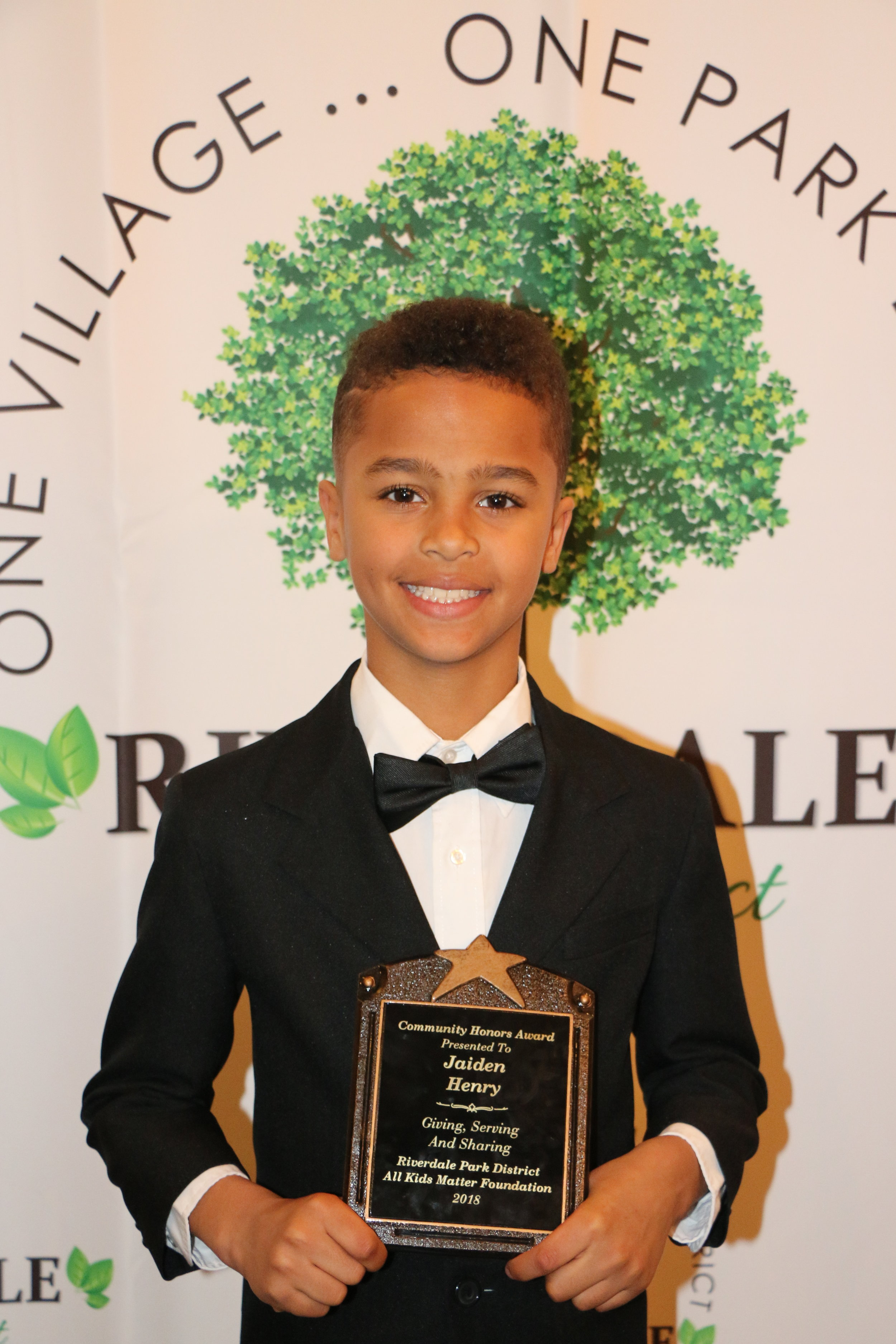Community Honors Award - RiverDale Park District and All Kids Matter Foundation honor Jaiden with the Giving, Serving and Sharing award.