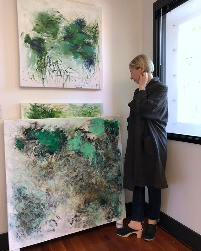 In the studio . . . . . . #abstractart #acrylicpainting #pdx #pdxart #contemporarypainting  #contemporaryart #contemporaryartist #modernart #paintingart #abstractpainting #abstractexpressionism #artlife #kunstwerk #fineart #abstractartist #abstractartorg #emergingartist #pnwartist #portlandartist #expressiveart #todaysartreport #artistlife #studioview #joanmitchell #artforlife #abstract_buff #womenartists #artiststudio #womanartist