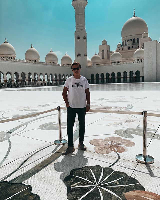 Visited the Sheikh Zayed Grand Mosque in Abu Dhabi today, really impressing!