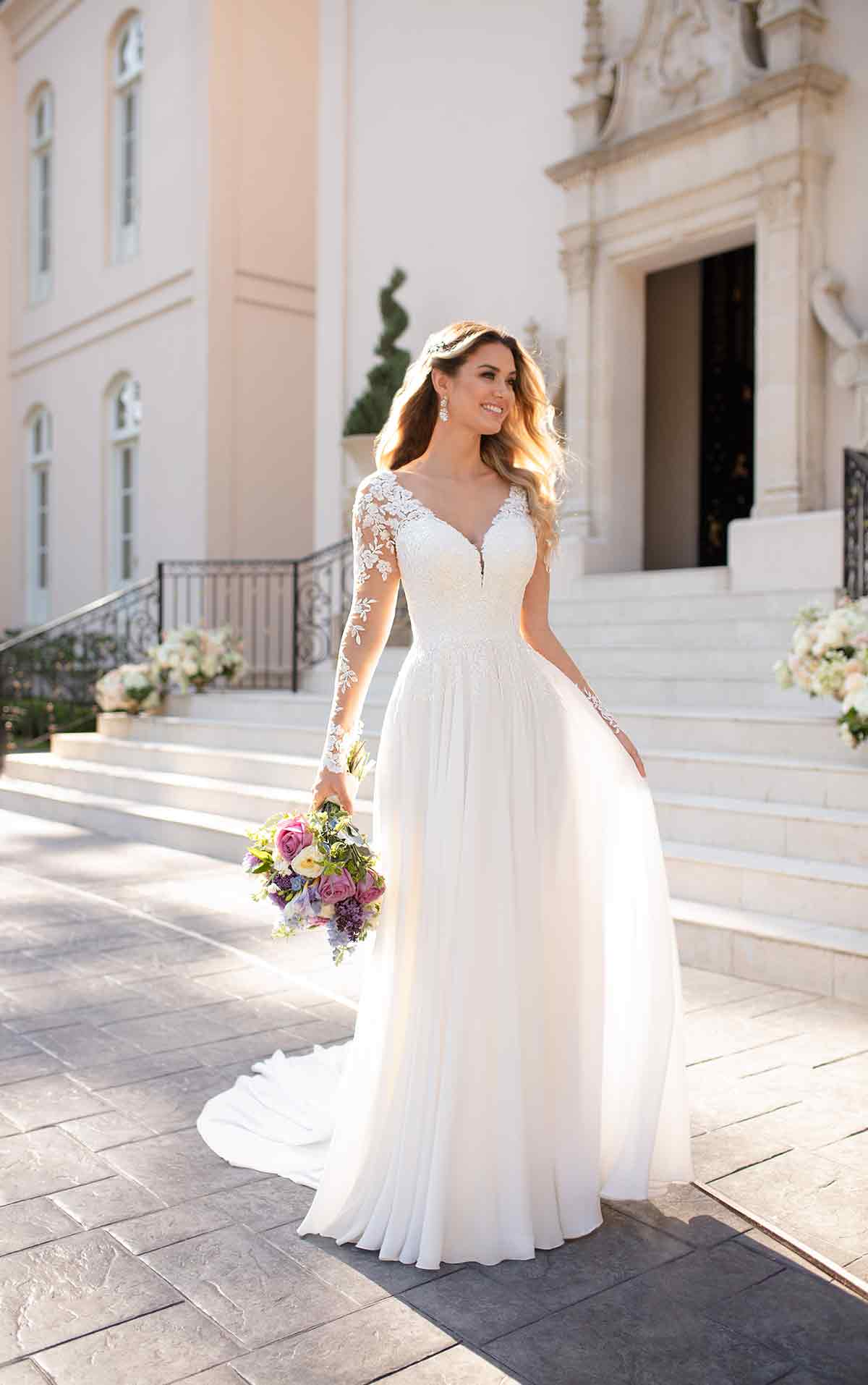 - This long sleeve Stella York wedding dress is sweet and simple for casual brides. The flow chiffon creates a sheath silhouette that is lightweight and comfortable.