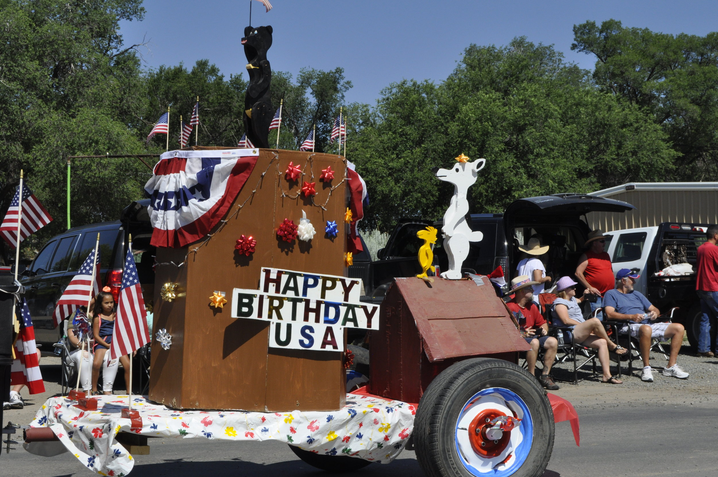 Happy Birthday USA float
