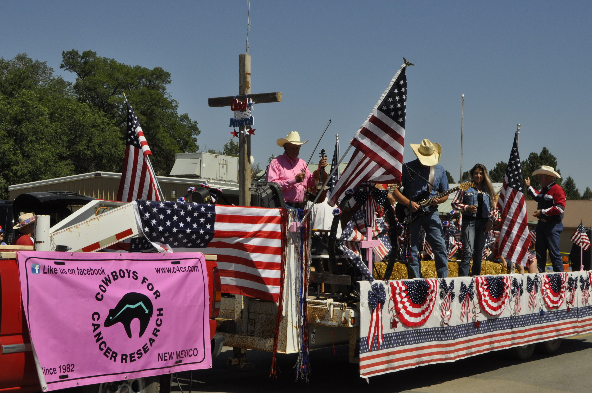 Cowboys & Cowgirls for Cancer float