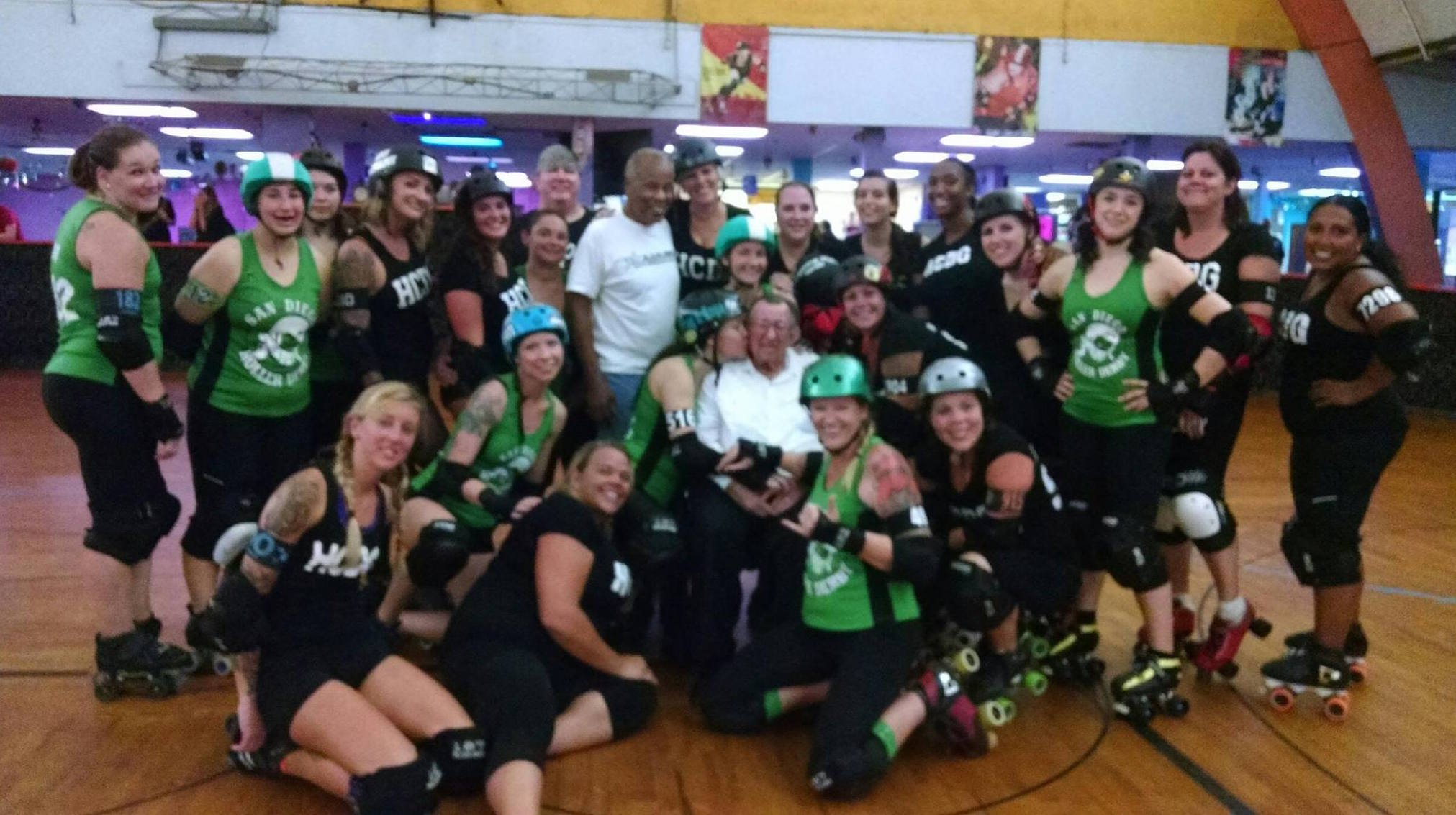 SaveSkateworld_Roller_Derby_Girls