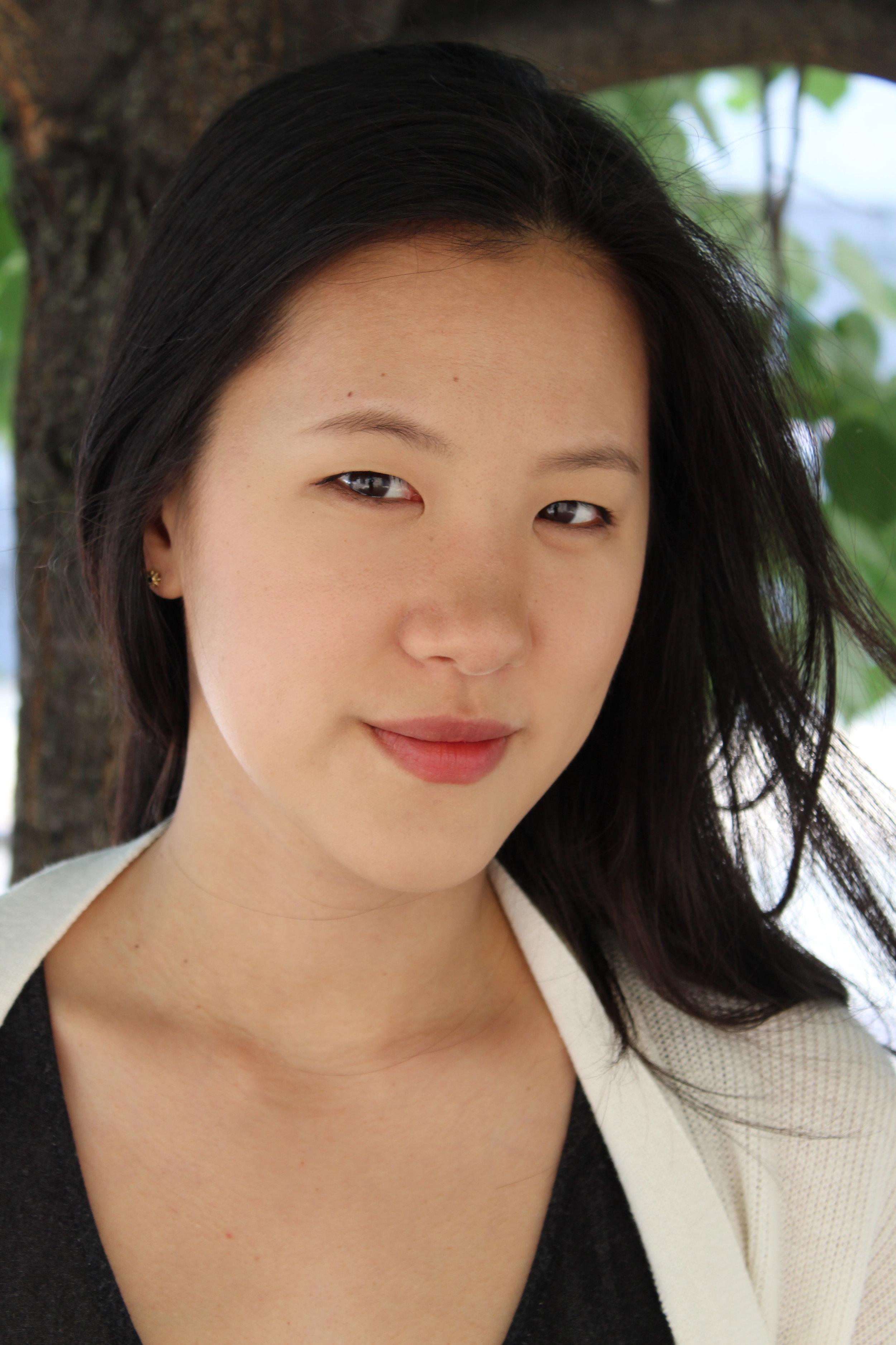 Grace Hwoang (Voice, Piano)