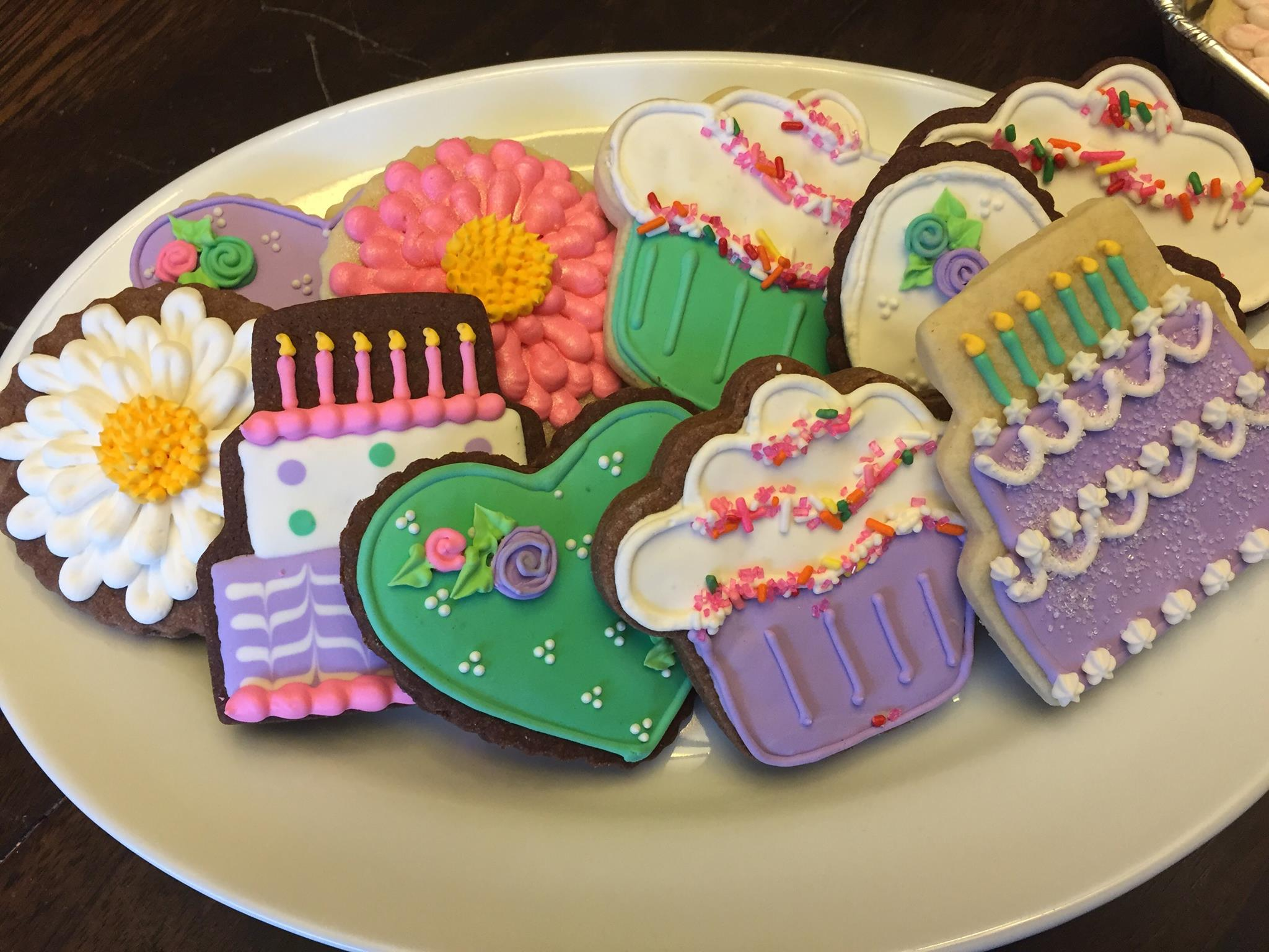 <p><strong>Mile High Cookie</strong><i>More →</i></p>