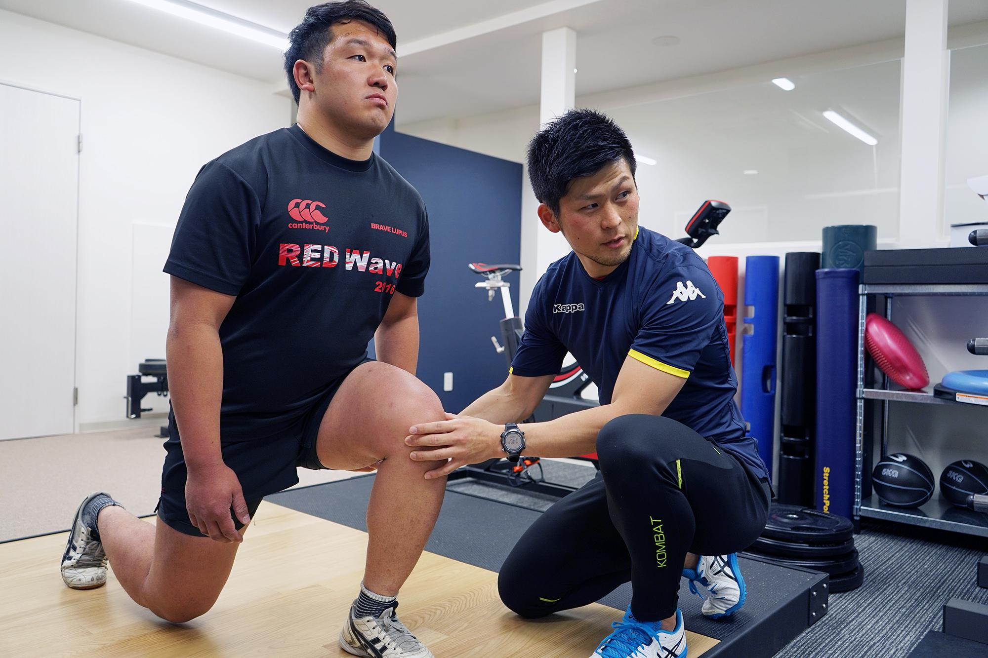 トレーニング - 治療後のトレーニングで身体を見つめ直し、ケガをする前より良い状態を目指します。ひとりひとりに向き合ったトレーニングを行います。
