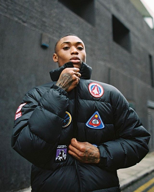 """""""Jacket so puffy you could live on the moon"""" 🚀👨🚀 Another gorgeous shot by @vickygrout, the talented photographer coming straight out of London who specializes in shooting all things London streetwear and Grime. Her distinct style captures all parts of the London sub-culture, and you really feel the energy of her hometown just from looking at her pics. We love the feeling this photo gives off, and it's no wonder as it was shot with film, which as Vicky says herself """"is not dead"""" - we totally agree 😎   Follow her page to see more of what's going on in the music and streetwear culture on the other side of the world ;) #KeepItTrill  • • • • • #jacket #streetwear #swagger #streetfashion #uk #swagg #pants #newyorkcity #shirt #thisislondon #manhattan #polo #menswear #jeans #londonlife #igerslondon #brooklyn #england #ny #visitlondon #yeezy #jacket #tshirt #coat #sweater #outfitsociety #supreme #simplefits #mensstyle"""