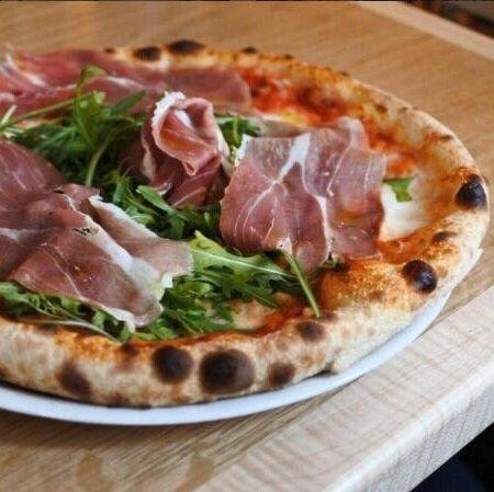 ham-and-rucola-pizza.jpg