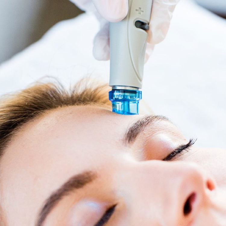 HydraFacial - HydraFacial uses patented technology to cleanse, extract, and hydrate for an instant glow.