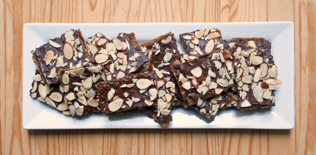 chocolate-toffee-matzo-crunch-1.jpg