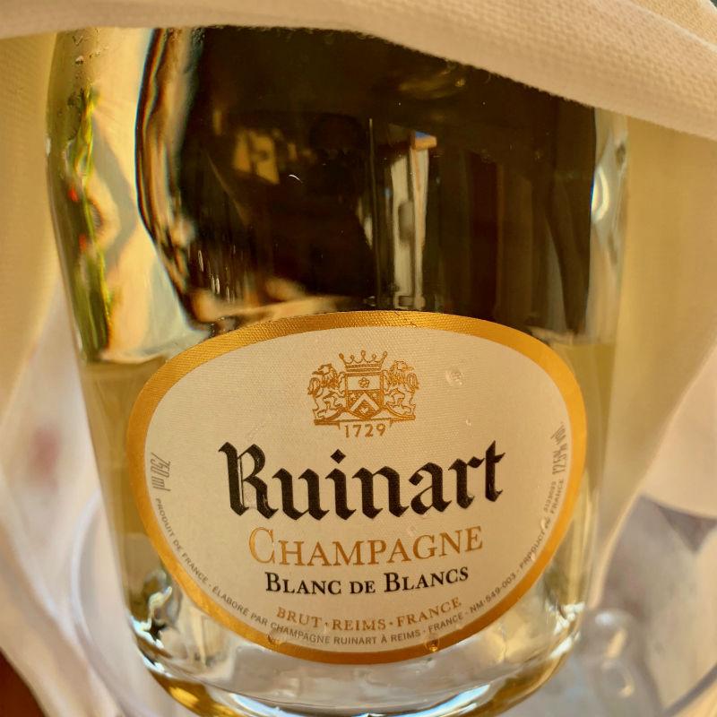 italy-sardinia-champagne.jpg