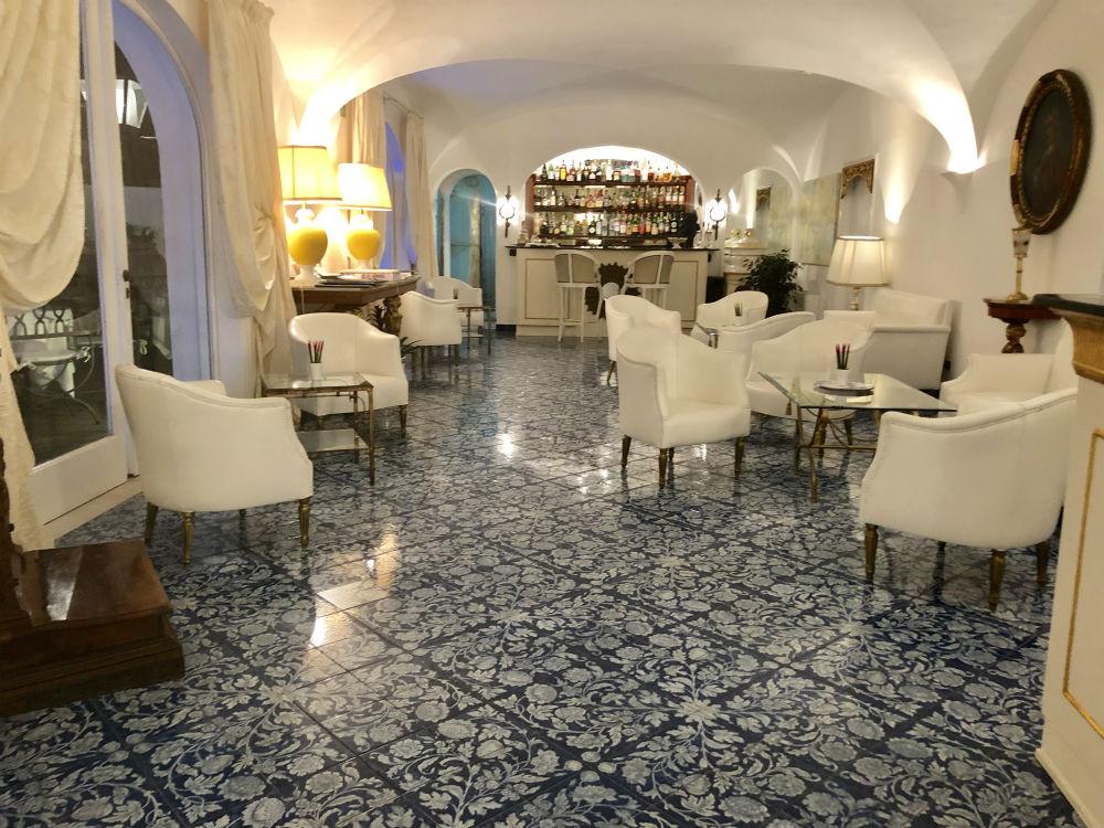 italy-capri-hotel-4.jpg