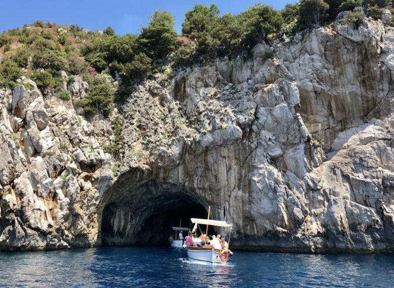 italy-capri-boat-3.jpg