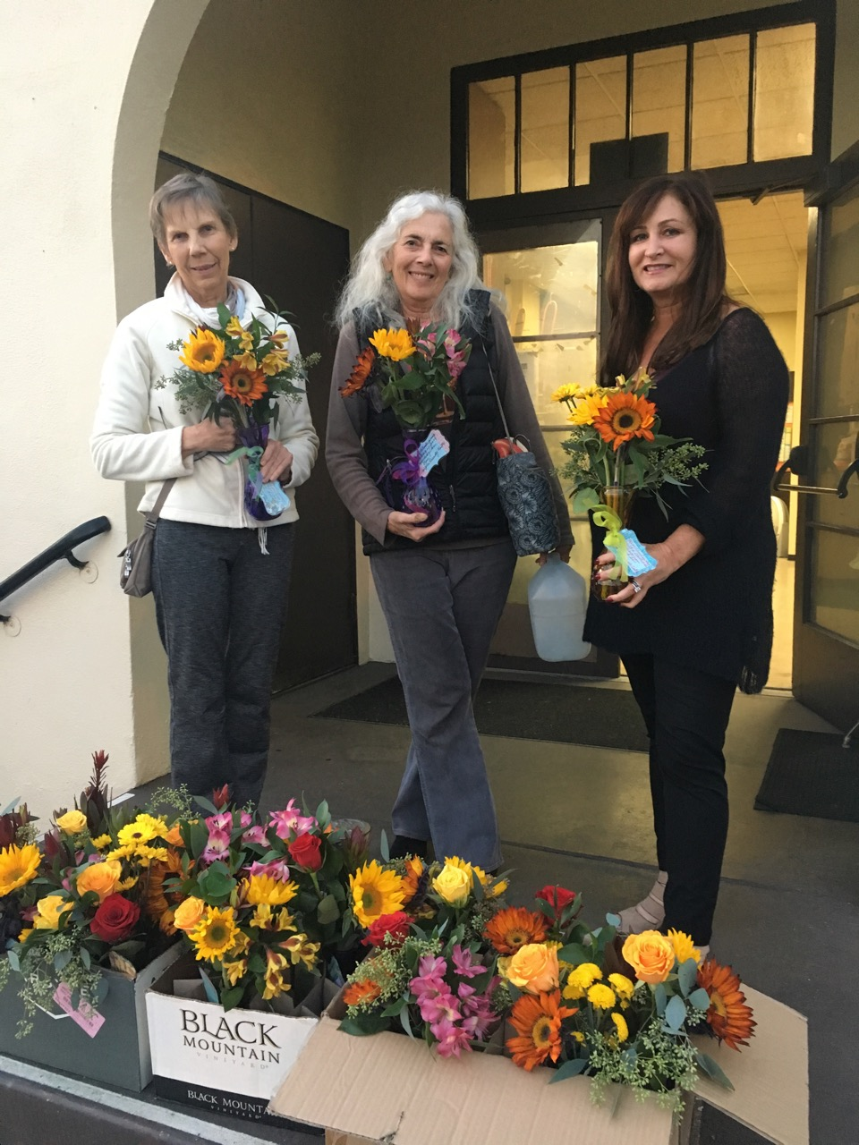 Carole, Lynn & Paula w Thanks. flowers 2018 (pic).jpeg