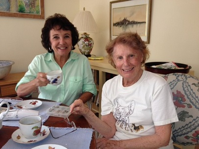 Olga and Denise having tea (recieving services)406x304.jpg
