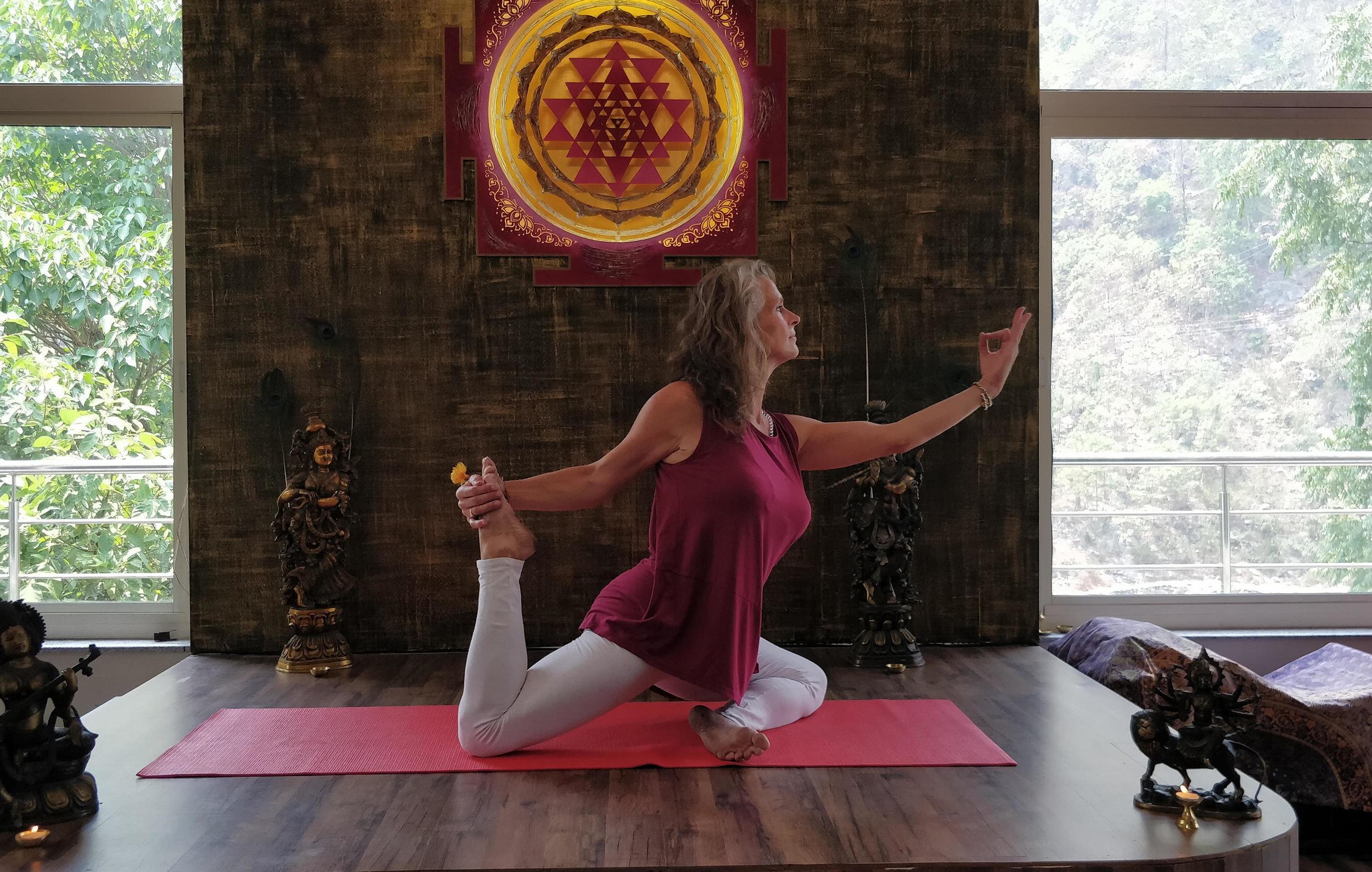 aditi-grandy-evolve-and-radiate-yoga-3.jpg