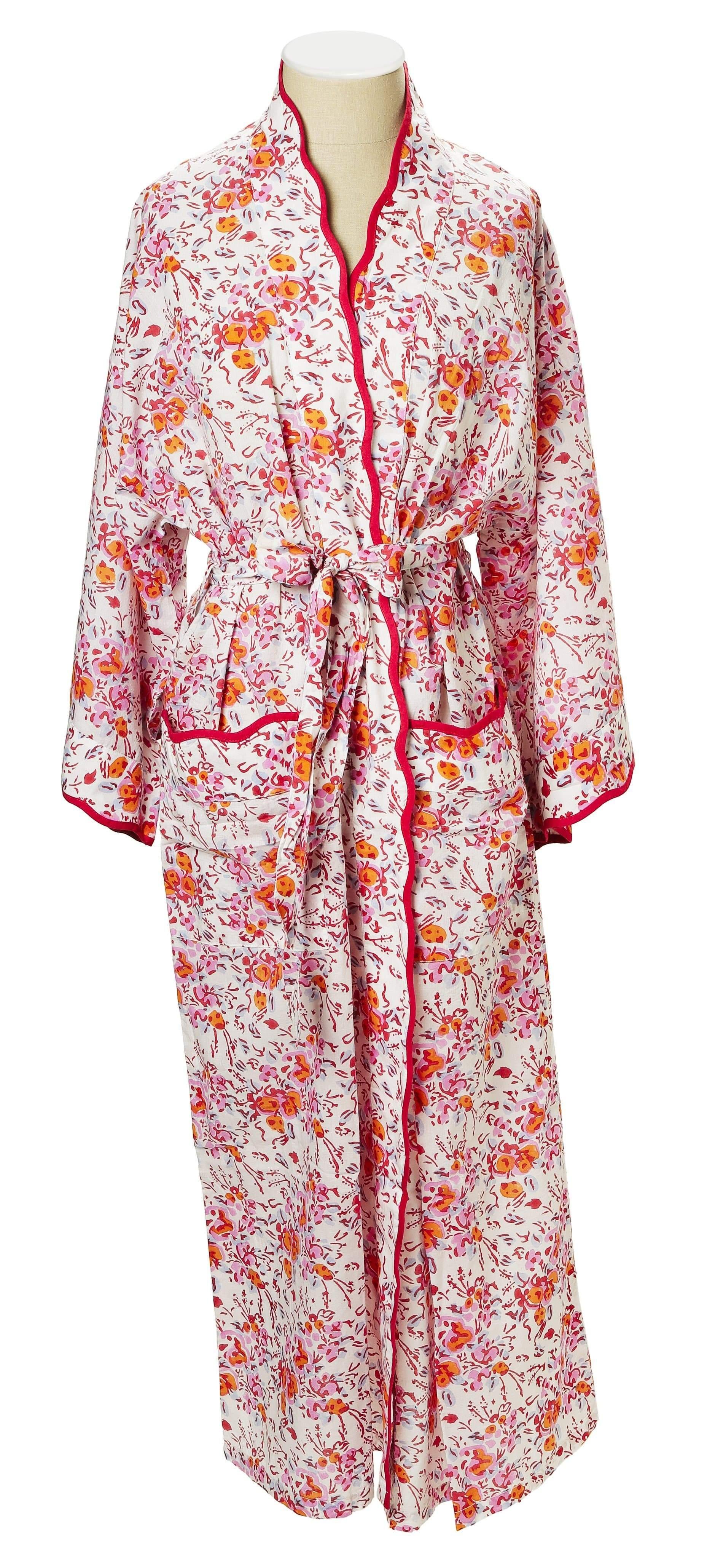 Pink_Floral_Robe_10.jpg
