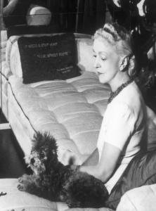 Elsie-de-Wolfe-1944-222x300.png