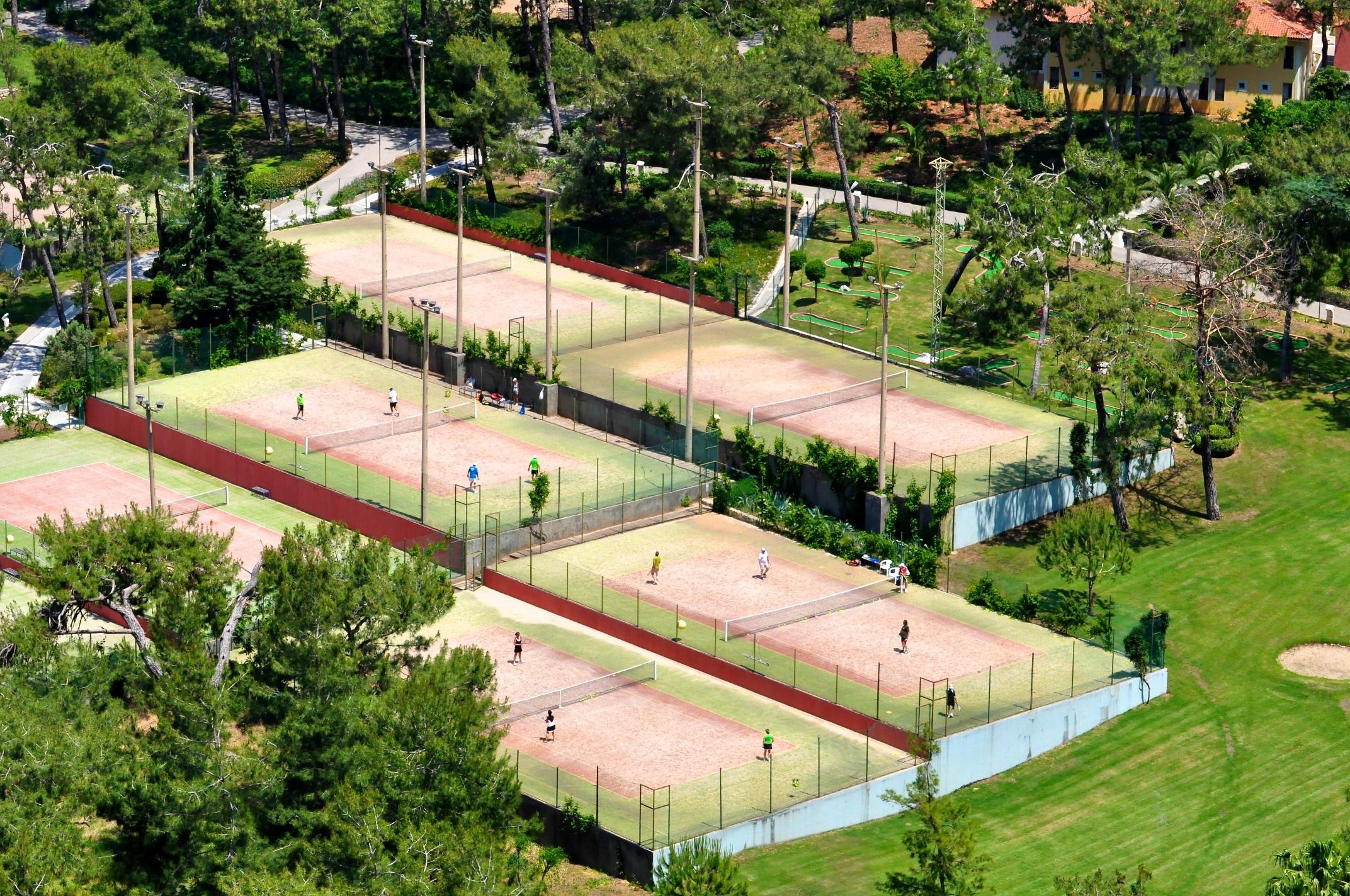- book tennis
