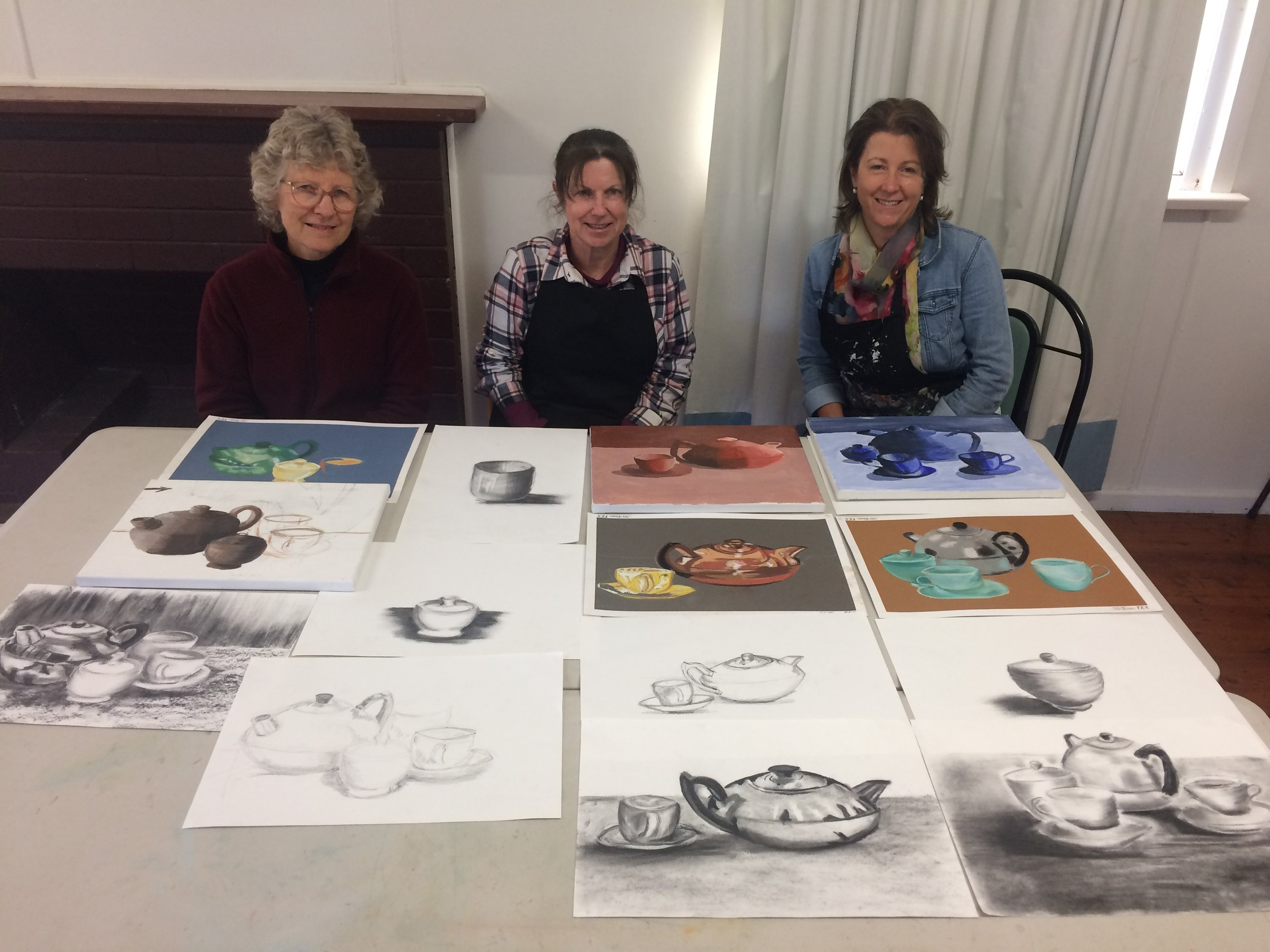 """Art Taster""Sunday 14 April 2019 - Beginner and intermediate artists will be guided through an exploration of various mediums.We'll have fun, explore and experiment using graphite, charcoal, pastel, acrylic paint and collage.10.00 am - 4.00 pm. Studio 3, BDAS studios, 1 Short St., Bowral.$180. All materials are supplied.All you need to bring is yourself and your lunch.For more information and to enrol email traceymillermail@gmail.com"
