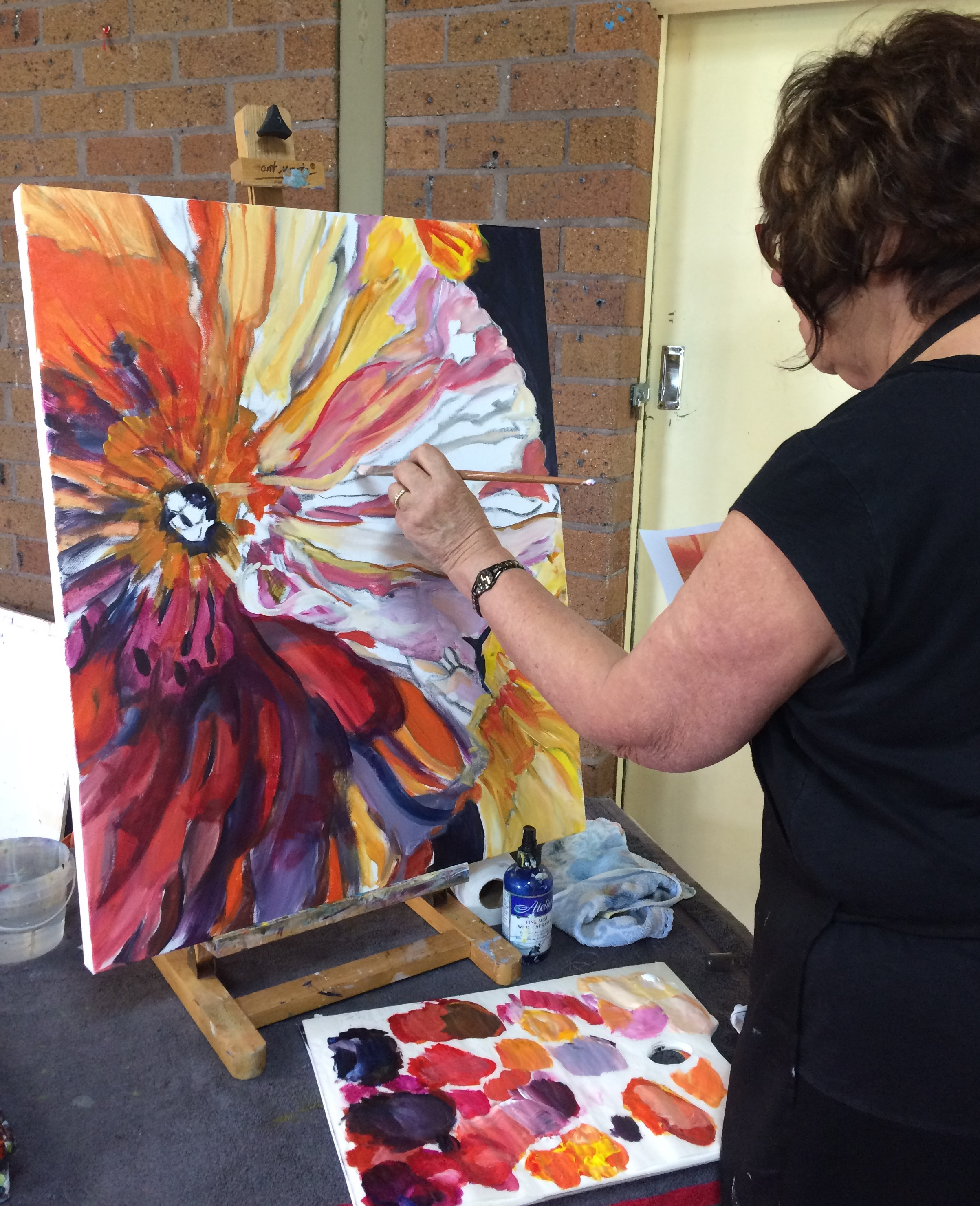 Bankstown, NSW - Sunday 9th June 2019Held in BAS Studio 9:30am set up10.00am - 2:30pm finish.Tracey will lead you through creating a beautiful floralpainting.To enrol contactContact Diane Yousouf 8710 1099for material list and bookings