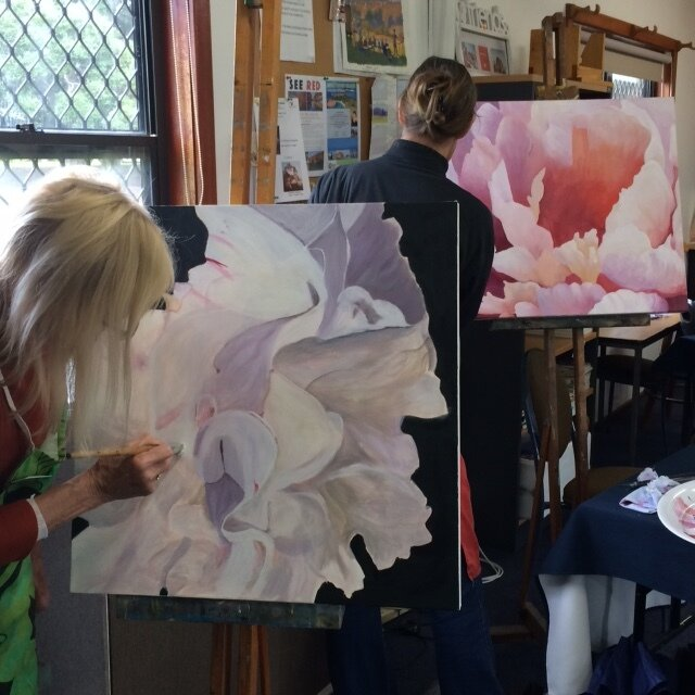 Macro Floral Painting Workshop - Using photographs as reference, create large macro floral paintings on canvas that explore the dynamic impact of scale. With a focus on composition, colour and contrast you will achieve a stand out, three-dimensional work.Tracey will guide you to express yourself, building confidence through your art making.Where: Studio 1, BDAS. 1 Short St., Bowral.When: 10.00 am - 4.00 pm,Sunday 24 November 2019Cost: $130For enquiries and to enroll contact Tracey onE: traceymillermail@gmail.comDownload the PDF for more details.