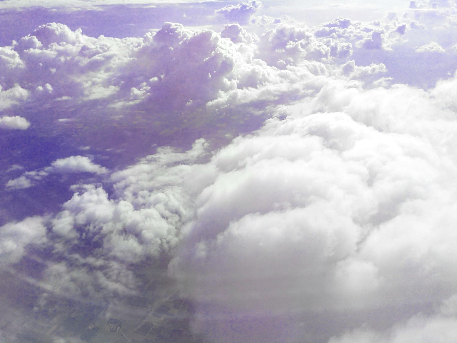 clouds-310112_1920.jpg