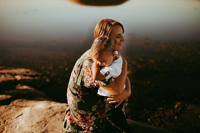 I'm just obsessed with this sweet mama and her boy + this location 😭😍❤️