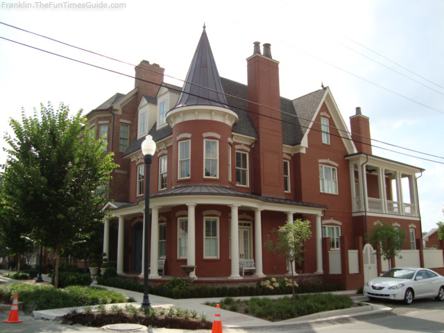 the-brownstones-franklin-tennessee-2.jpg