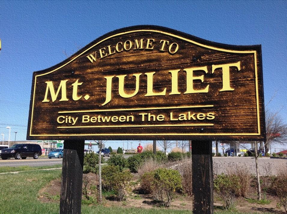 Sign_of_Mt._Juliet_Road_(Highway_171)_welcoming_commuters_to_Mt._Juliet..jpg