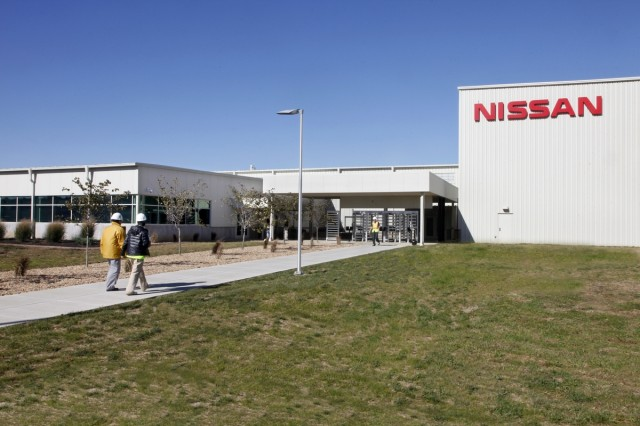 lithium-ion-cell-fabrication-battery-pack-assembly-at-nissan-plant-in-smyrna-tennessee_100427965_m.jpg