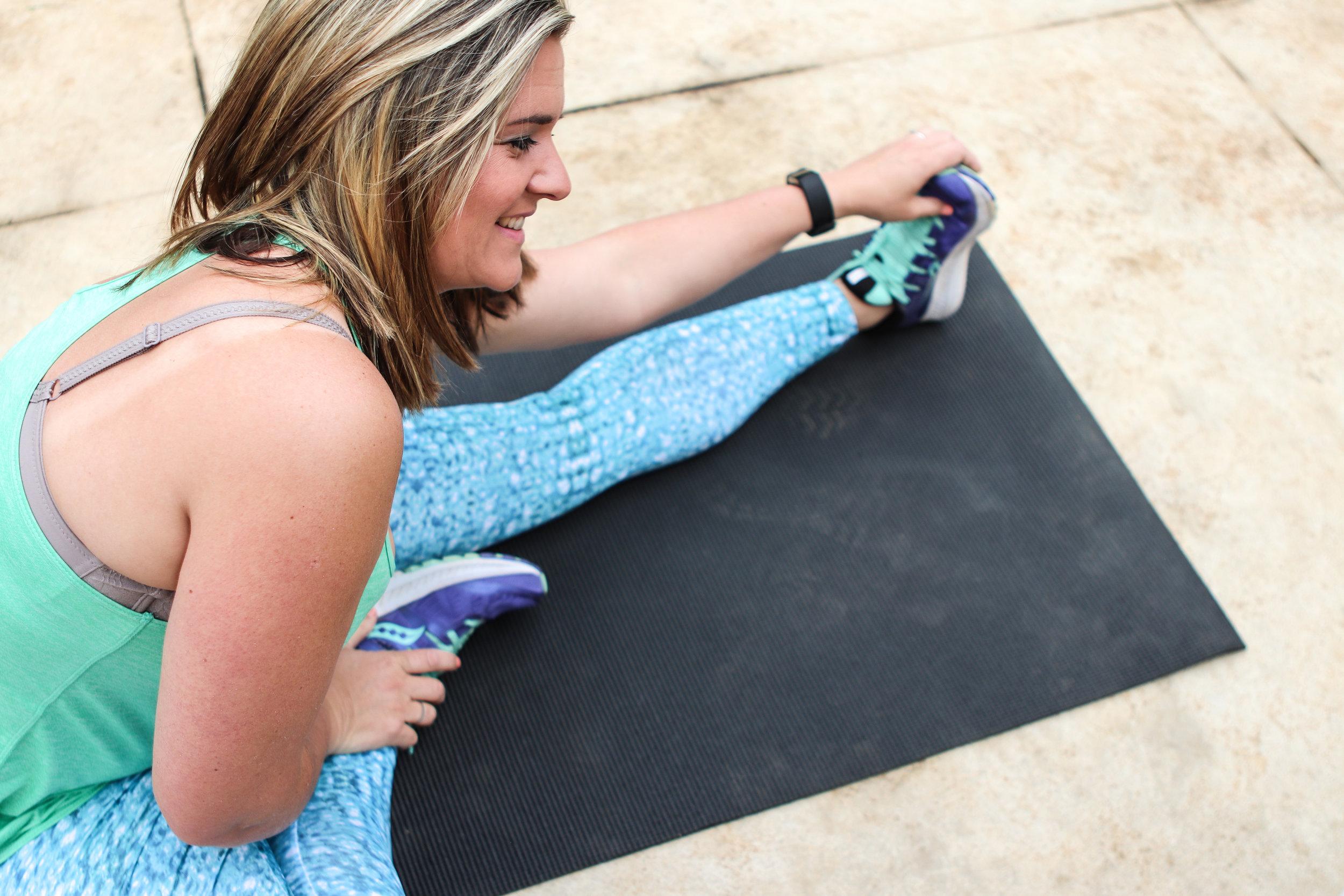 mama-on-the-blog-blog-sa-stretching-active-wear.jpg