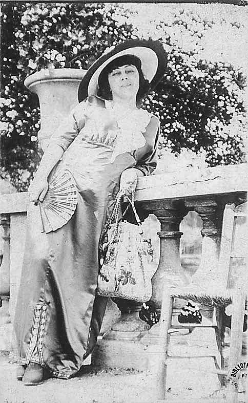 Jacqueline Marval, Jardin du Luxembourg, Paris, c 1905.
