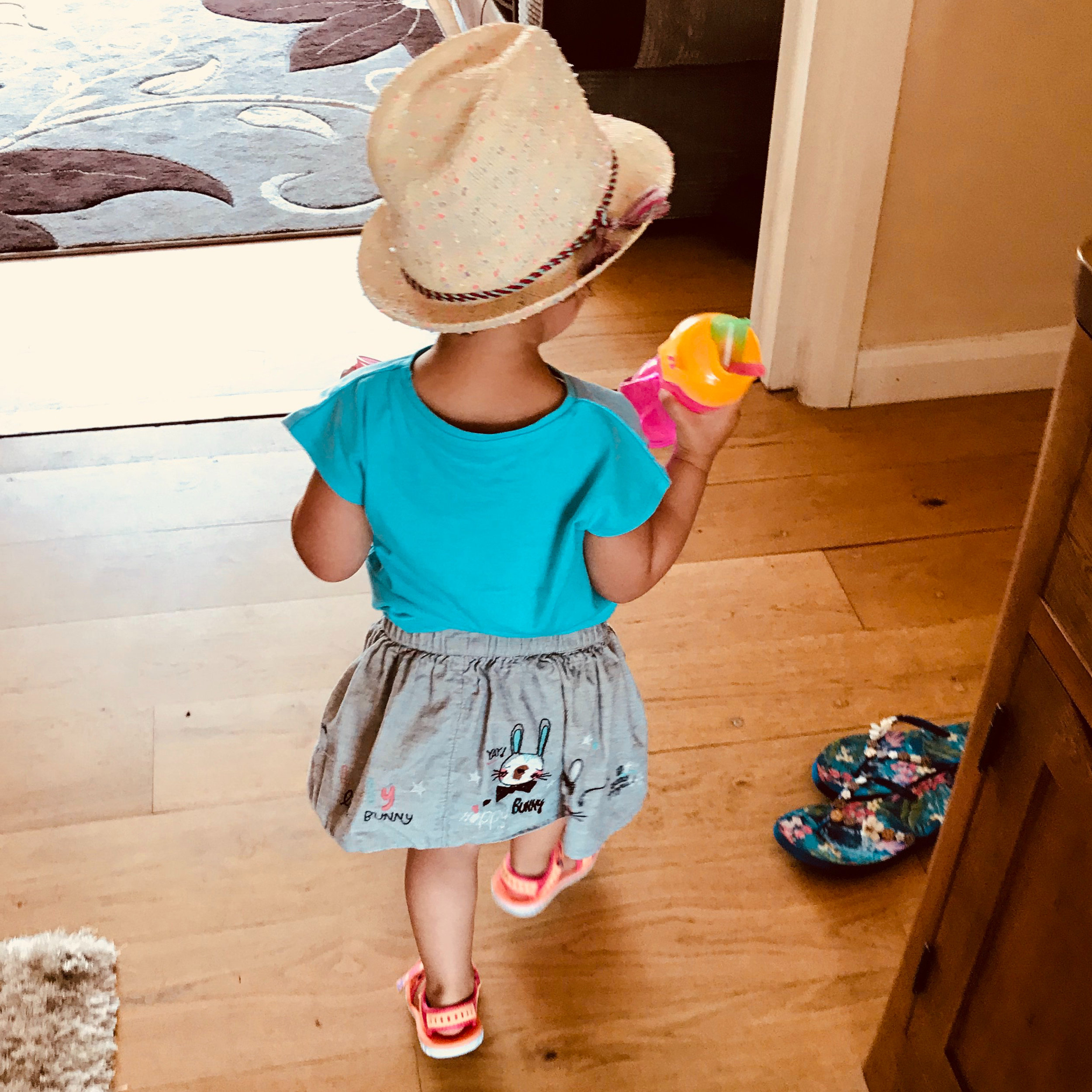 The hat and flip flops that Sophia is very attached to!