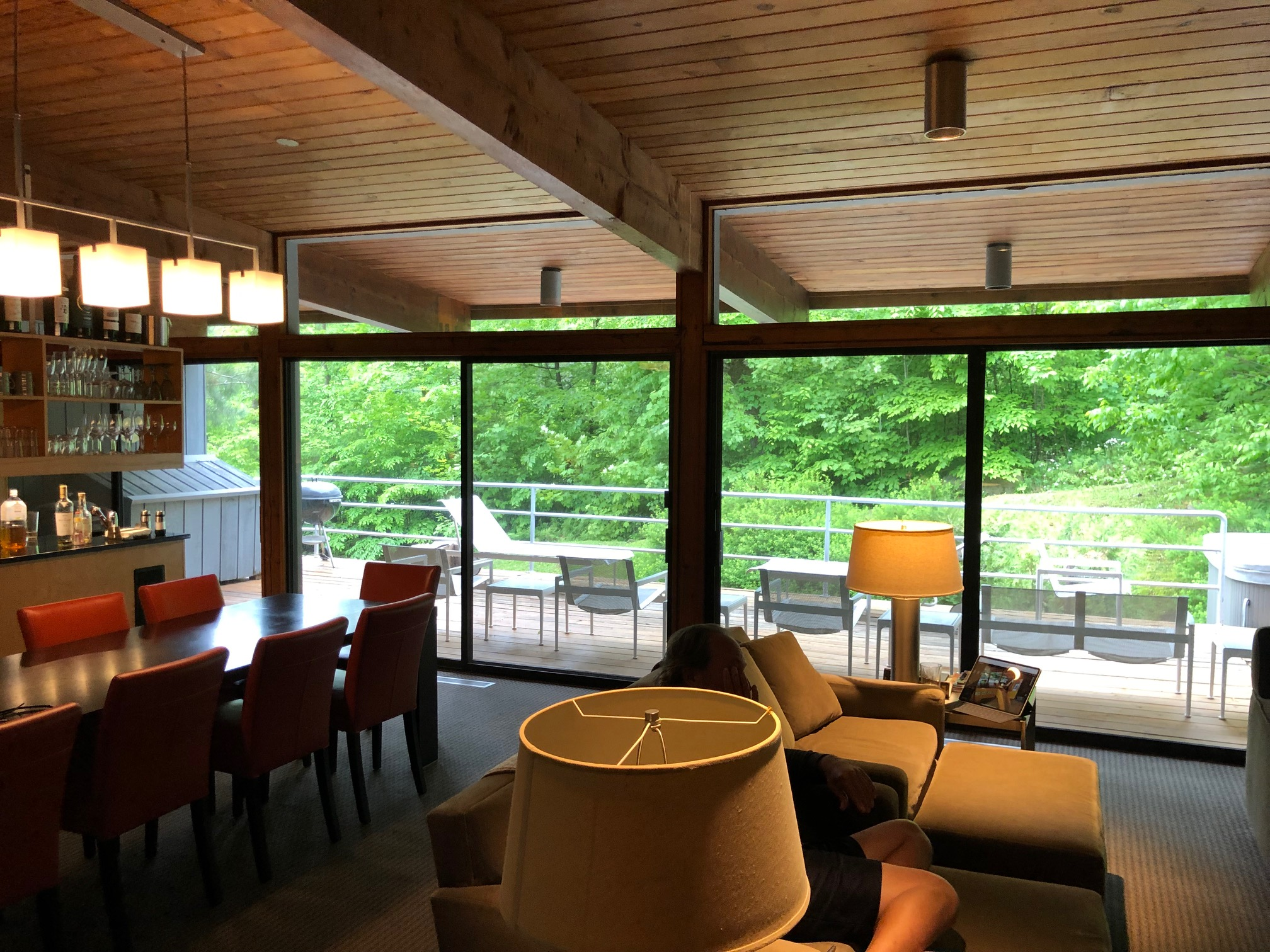 The open plan great room at Granoff Ski House, designed by Eliot Noyes in 1964 .  Image courtesy of Rich Granoff