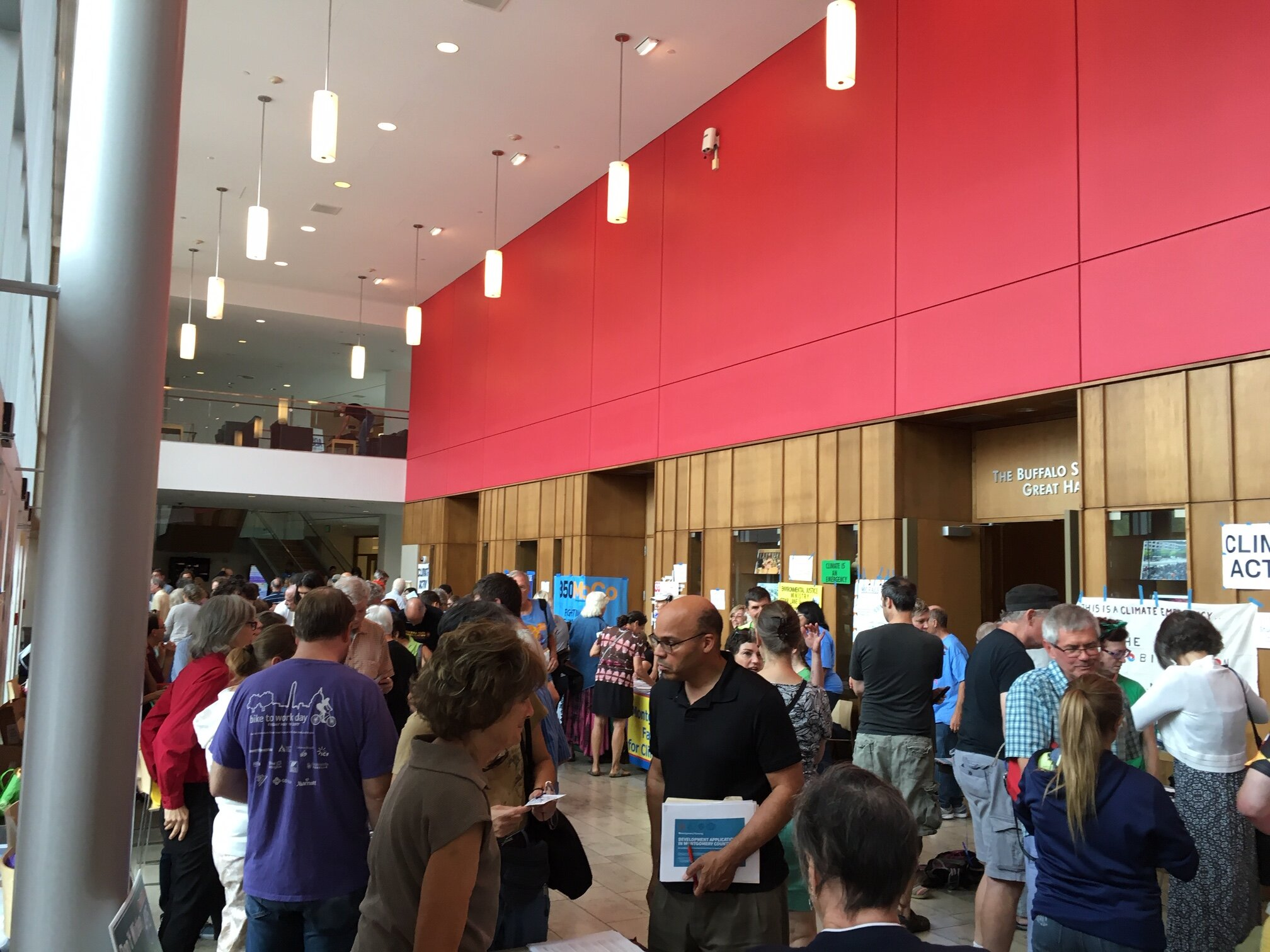 Attendees got lots of information from 32 exhibitors in the lobby! -