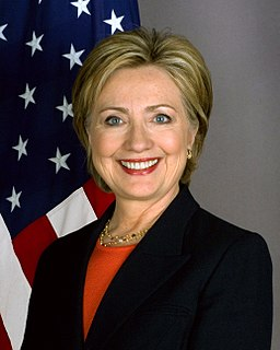 256px-Hillary_Clinton_official_Secretary_of_State_portrait_crop.jpg