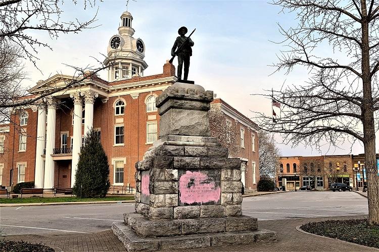 Murfreesboro square.jpg