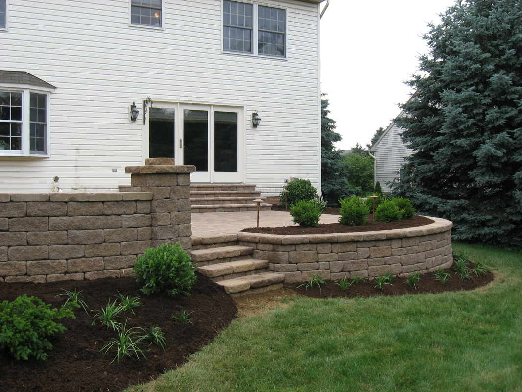 Outdoor living in Lititz - patio and retaining wall
