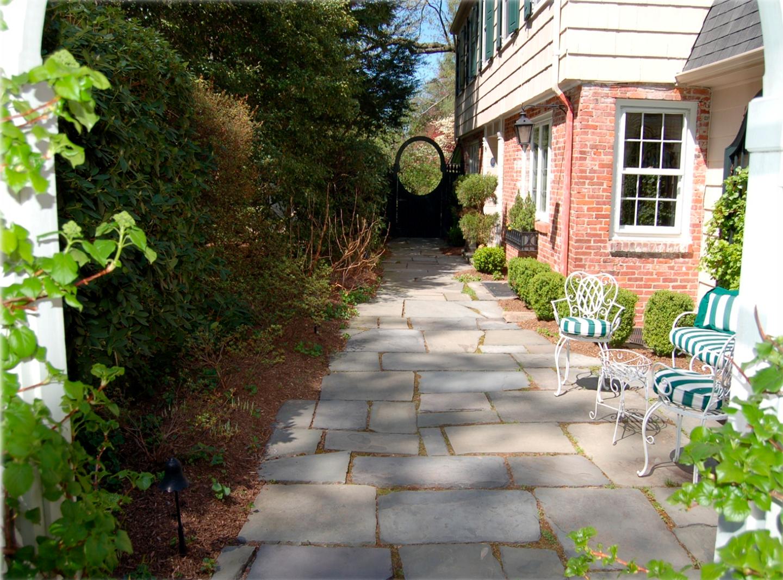 Natural Stone Walkway.png