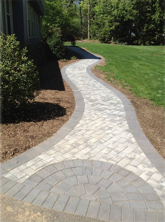 Walkway in Newington CT - after landscape installation