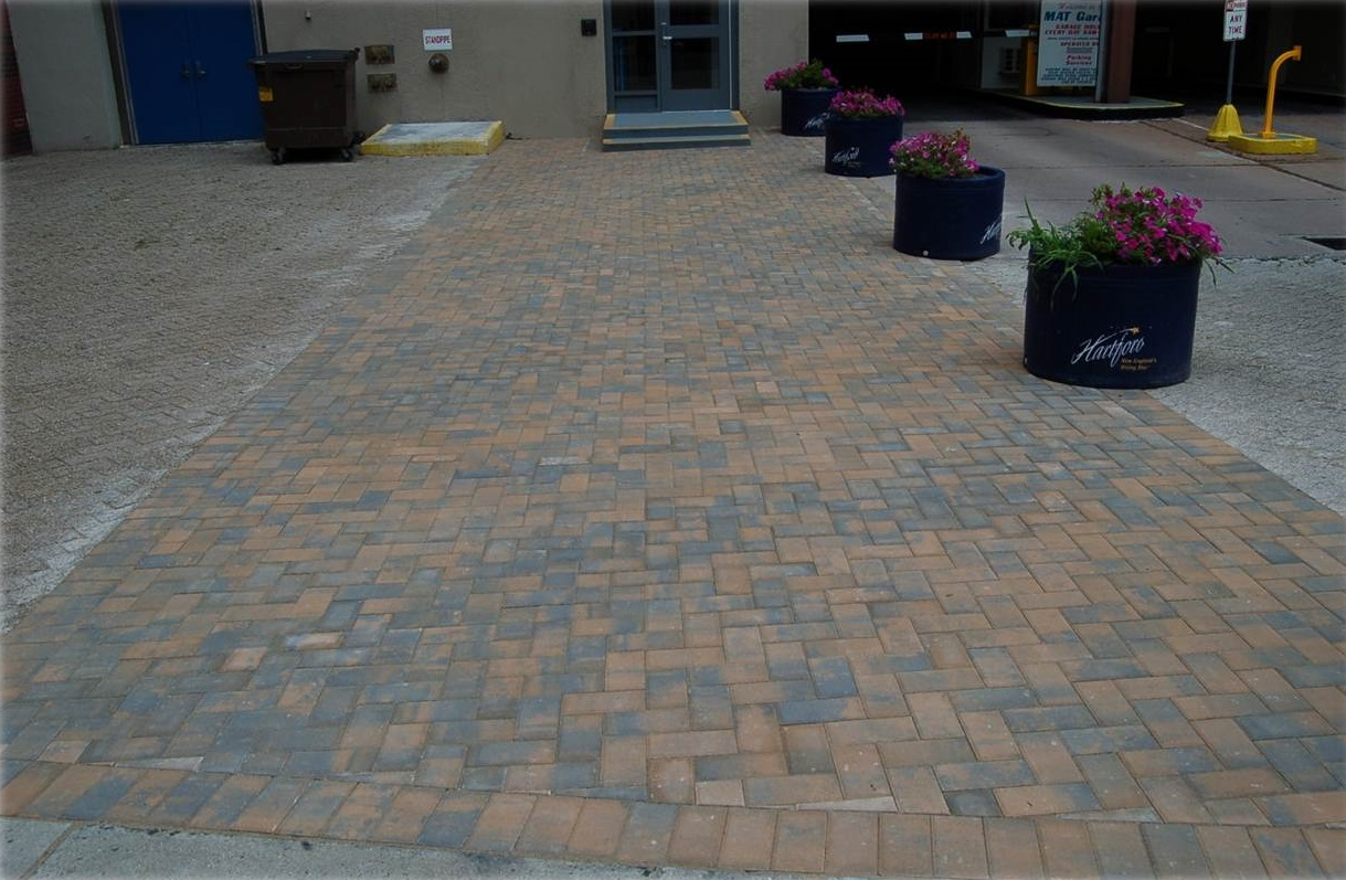 Driveway in Newington CT - after landscape installation