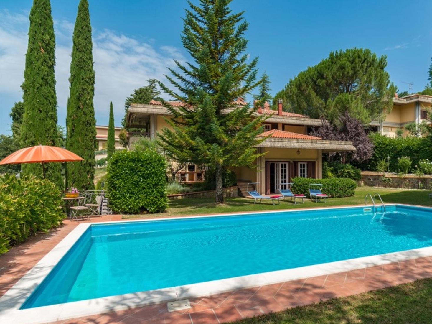 CHIANTI VILLA - GREVE IN CHIANTI - 4 BEDROOMS - 4 BATHWEEKLY PRICE FROM €1,700