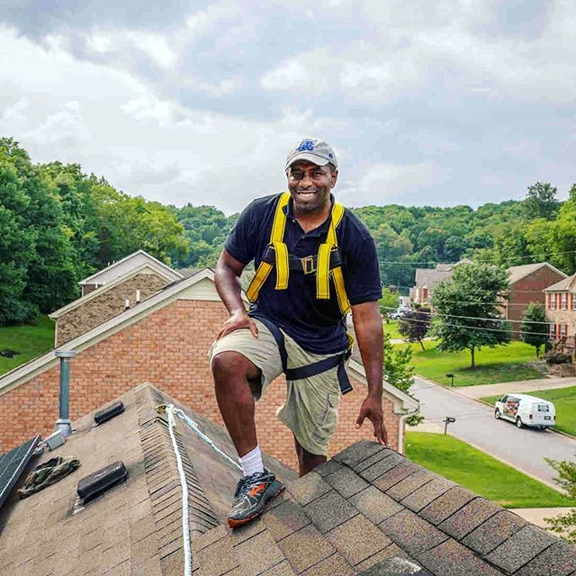 In the US, solar energy needs to reach communities of colour. Jason Carney, a #Nashville native, wanted to create a movement and conversation around clean energy. 🌱⚡He had an idea to build a solar array at a local high school.🏫 His advocacy work has led students to take part in designing and building solar arrays near their school where costs were covered by grants and donations. Here, change is already happening. Students are becoming interested in the technology just by observing the array come together. Students have credited Carney on inspiring them to learn and teaching them relevant skills. 🌞🌞 One person's ambitions, advocacy and actions have started to get students interested in solar energy careers and installing for their communitiesl🌞📈 . . . #america #usa #SDG7 #power #economy#electricity #projecttsehigh #cleanenergy #solarpanels #solarpower #communitydevelopment #community #energy #advocacy #socialchange #education  From NPR