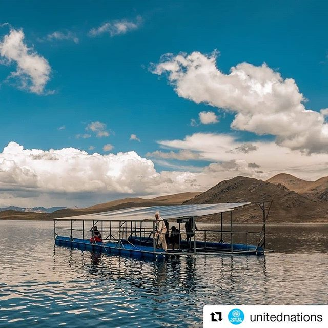 #Repost @unitednationsThese solar panels are powering up pumps that irrigate water from the Chullpia Lagoon to nearby villages in this region of #Peru which is 4000 meters above sea level. 🌊🌞 This is the work of 28-year-old Juansergio who graduated with a degree in Agricultural Sciences from the country's Altiplano University. 2 Million people rely on his solar pumps to have water for livestock and farms.🌱 . . . #GlobalGoals  #ClimateAction #projecttsehigh #PjT #SDG7 #sustainability #sustainable #cleanenergy #Solar #solarpower